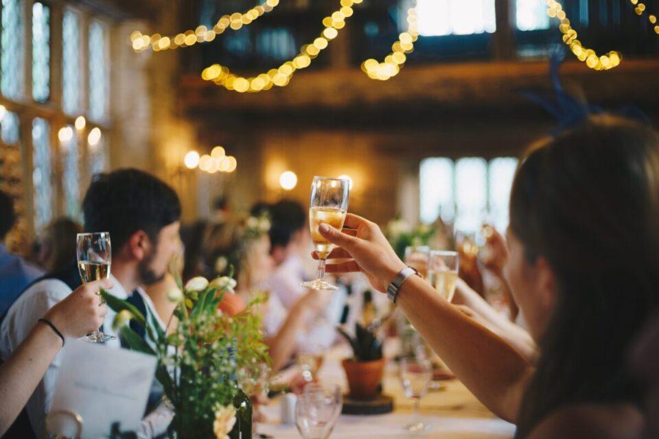結婚式ムービー弊社人気ランキング5選のイメージ